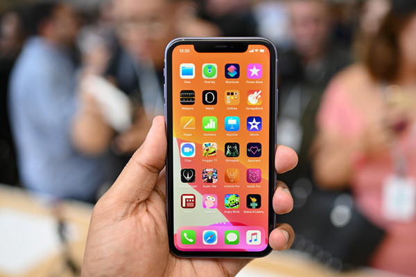 Photo of iPhone 11 Modellerinde Ekran Sorunu